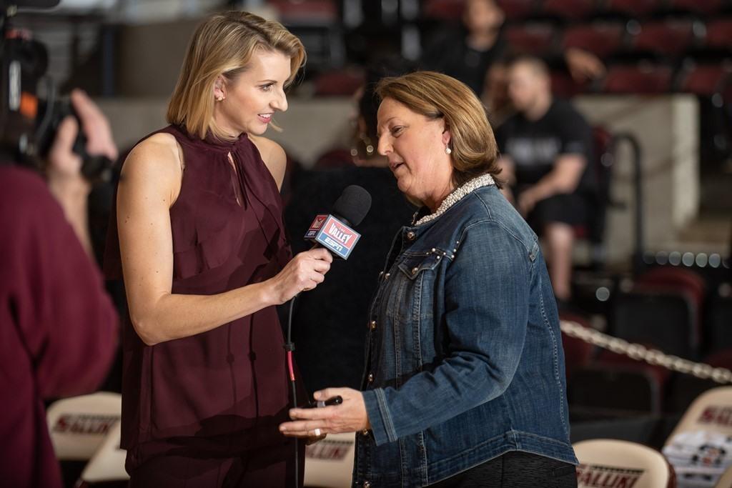 Kelly interviews Cindy Stein pic